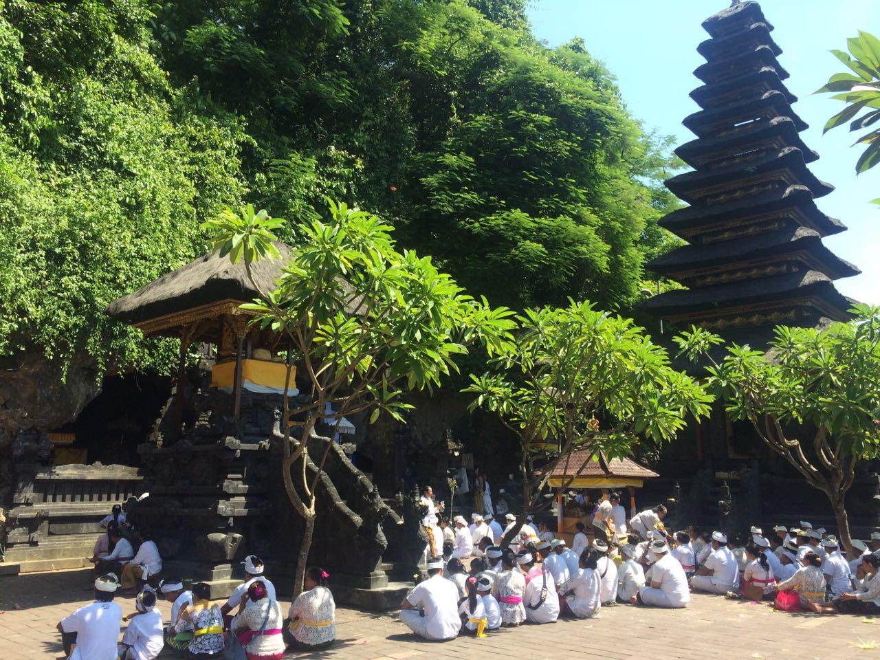 Храм Пура Гоа Лава (Pura Goa Lawah)