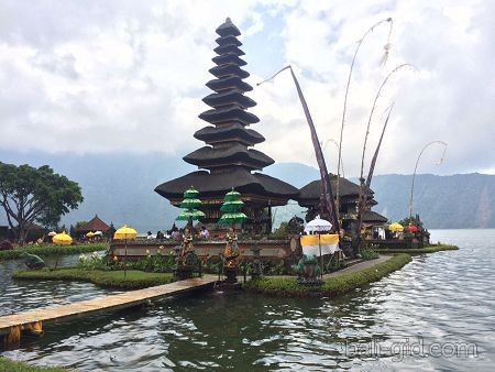Озеро Братан и главный храм Бали