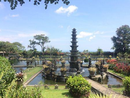 Водный дворец Таман Уджунг на Бали - история фото описание как добраться карта