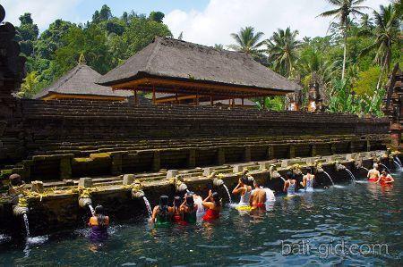 Храм Тирта Эмпул (Pura Tirta Empul, или Tirta Empul Holy Water Temple)