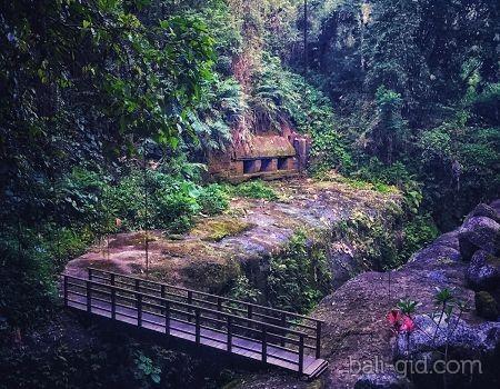Храм Чанди Тебинг (Candi Tebing или Pura Candi Tebing Tegallingah)